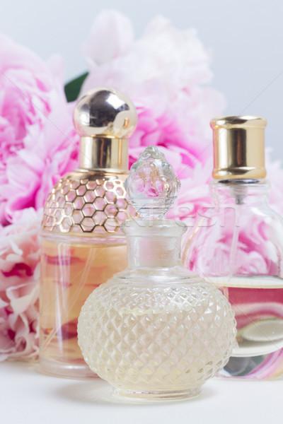 öz koku cam taze çiçekler beyaz Stok fotoğraf © neirfy