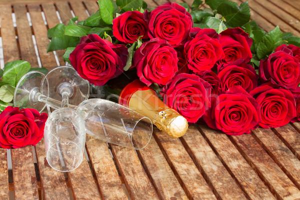 Stock fotó: Valentin · nap · sötét · vörös · rózsák · nyak · pezsgő · bor