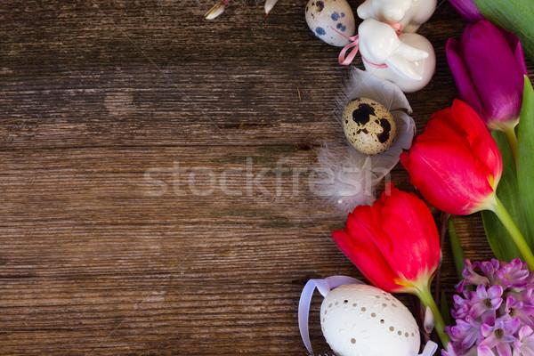 Flores da primavera ovos de páscoa primavera fresco tulipas coelhos Foto stock © neirfy