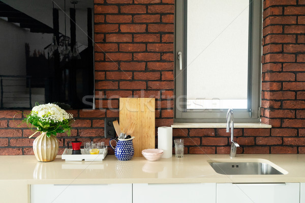 Keukentafel top wastafel bloemen bloem huis Stockfoto © neirfy
