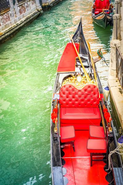 Venedik gondol kanal kırmızı deri sandalye Stok fotoğraf © neirfy