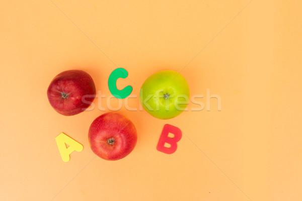 Zurück in die Schule Szene Äpfel Schule Mode Kinder Stock foto © neirfy