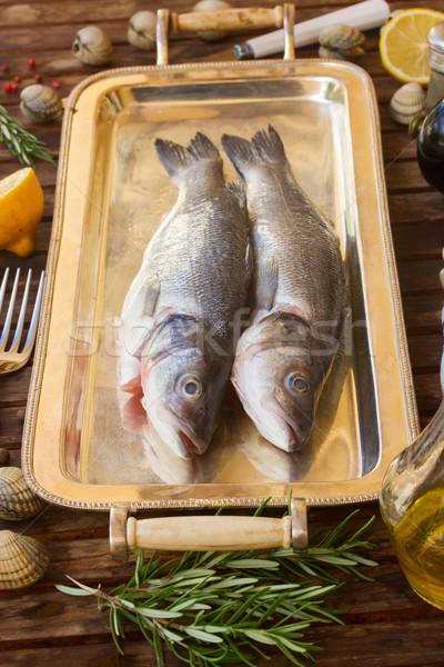 2 生 魚 銀 トレイ 食品 ストックフォト © neirfy