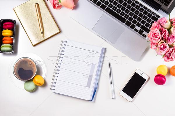 Kobiecy górę widoku notebooka kawy Zdjęcia stock © neirfy