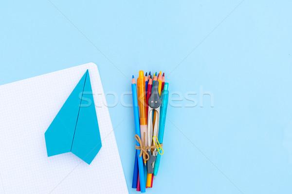 Zurück in die Schule Szene Schulbedarf blau Schule Hintergrund Stock foto © neirfy