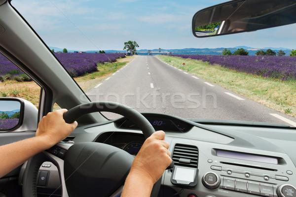Ktoś jazdy samochodu drogowego widoku wewnątrz Zdjęcia stock © neirfy