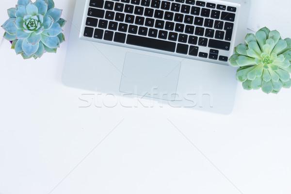 Desktop scène laptop telefoon witte tabel Stockfoto © neirfy