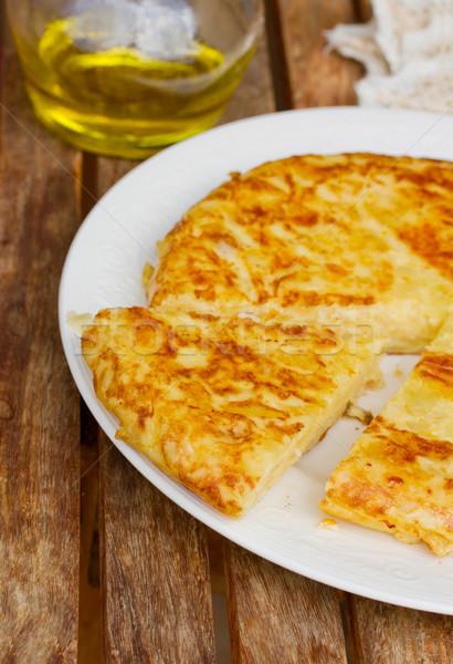 Tortilla İspanyolca hizmet ahşap masa gıda Stok fotoğraf © neirfy
