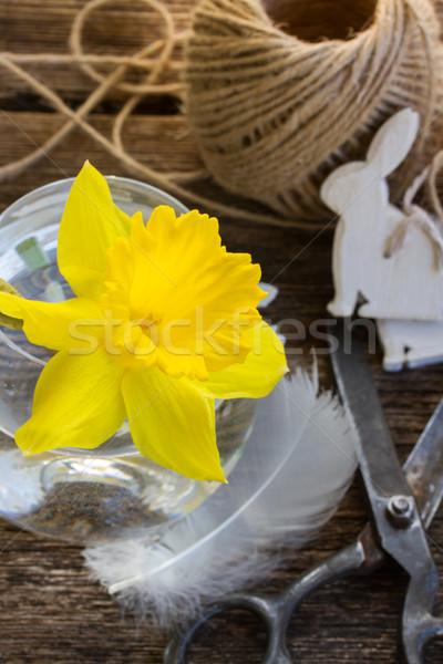 Pasen narcis Geel decoraties houten tafel bloem Stockfoto © neirfy