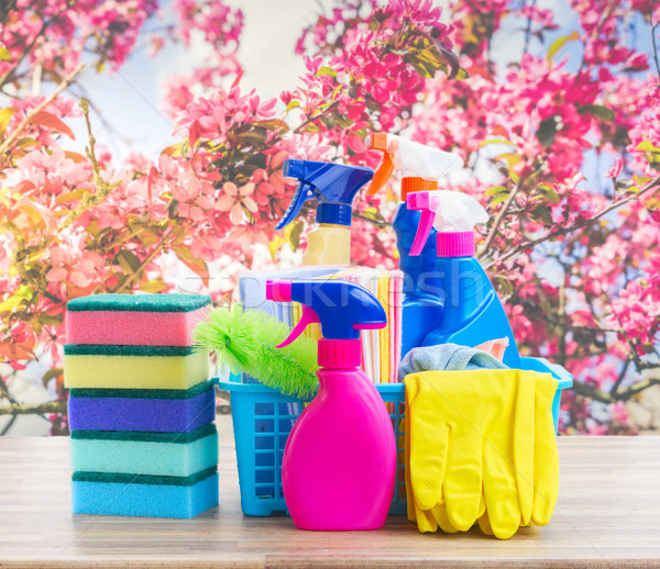 Pulizie di primavera colorato bottiglie tavolo in legno primavera cielo Foto d'archivio © neirfy
