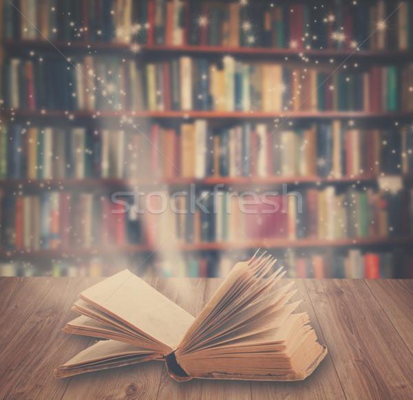 Foto stock: Magia · libro · retro · libro · abierto
