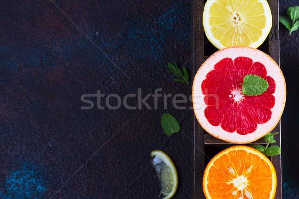 Turuncu limon greyfurt karanlık yaprak meyve Stok fotoğraf © neirfy