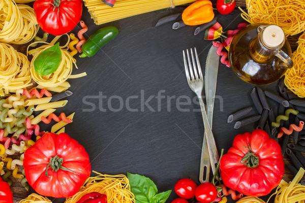 Foto d'archivio: Greggio · pasta · acciaio · forcella · coltello