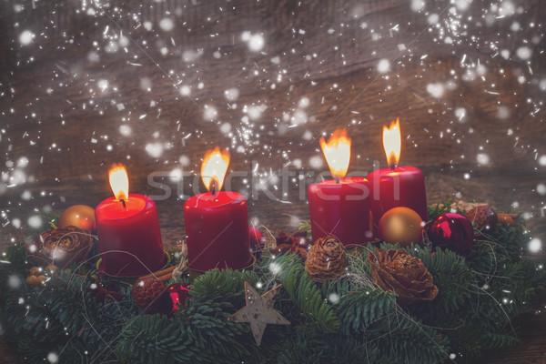 Avvento ghirlanda brucia candele evergreen Foto d'archivio © neirfy
