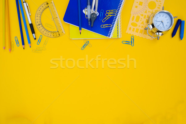 Zdjęcia stock: Powrót · do · szkoły · niebieski · żółty · scena · granicy · przybory · szkolne
