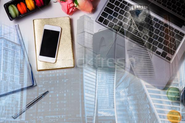 Mani tastiera del computer portatile qualcuno moderno raddoppiare esposizione Foto d'archivio © neirfy