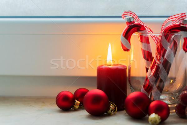 Christmas scène brandend licht Rood vensterbank Stockfoto © neirfy