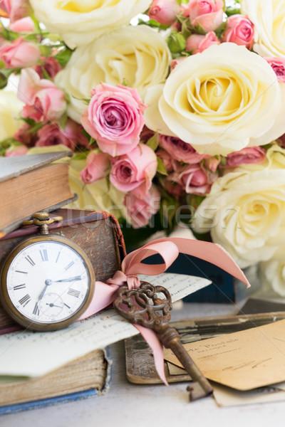 Antieke mail klok exemplaar ruimte bloemen papier Stockfoto © neirfy