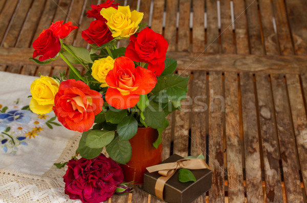 roses posy on wooden table Stock photo © neirfy
