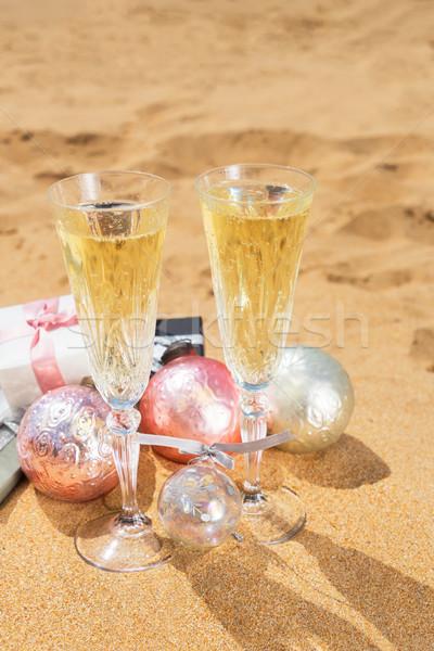 Сток-фото: два · очки · Рождества · шампанского · пузырьки · подарки