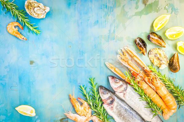 Taze deniz ürünleri mavi balık çerçeve ahşap Stok fotoğraf © neirfy