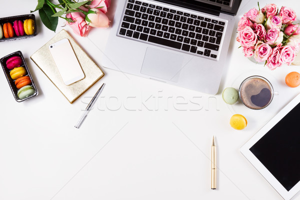 女人 工作區 頂部 視圖 鍵盤 咖啡 商業照片 © neirfy