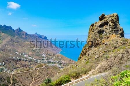 Tenerife ilha montanhas em torno de aldeia Foto stock © neirfy