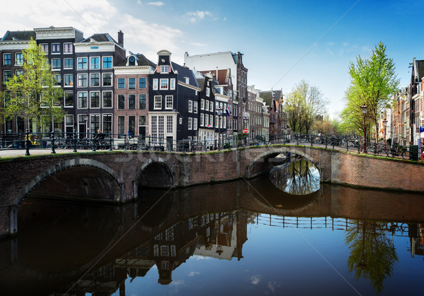 Maisons Amsterdam Pays-Bas pont canal miroir Photo stock © neirfy
