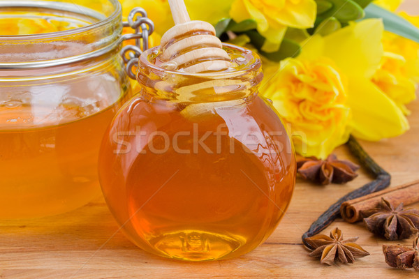 Сток-фото: цветочный · меда · стекла · банку · деревянный · стол · жизни