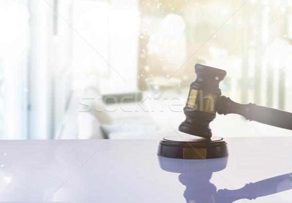 Ley justicia martillo resumen negocios oficina Foto stock © neirfy