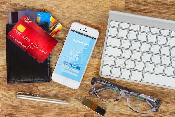 Compras telefone móvel área de trabalho internet armazenar página Foto stock © neirfy