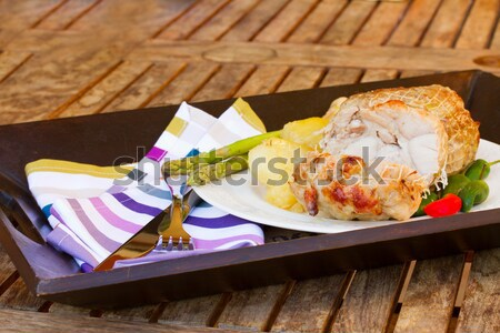 Felszolgált borjúhús tányér kés villa vacsora Stock fotó © neirfy