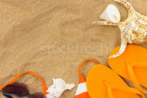 Pomarańczowy sandały muszle piasku kopia przestrzeń plaży Zdjęcia stock © neirfy