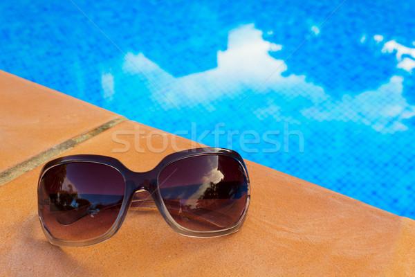 Okulary basen niebieski taflowy wody słońce Zdjęcia stock © neirfy
