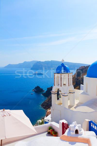 Ver escada igreja santorini azul cúpula Foto stock © neirfy