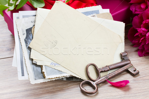 old photo and key ona table Stock photo © neirfy