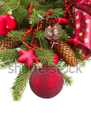 Yaprak dökmeyen ağaç kırmızı Noel top Stok fotoğraf © neirfy