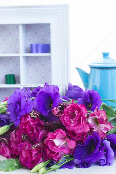 Mor leylak rengi çiçekler tablo Stok fotoğraf © neirfy