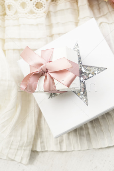 Stok fotoğraf: çiçekler · hediye · kutuları · gelinlik