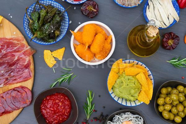 Tabel spaans tapas groene paprika olijven Stockfoto © neirfy