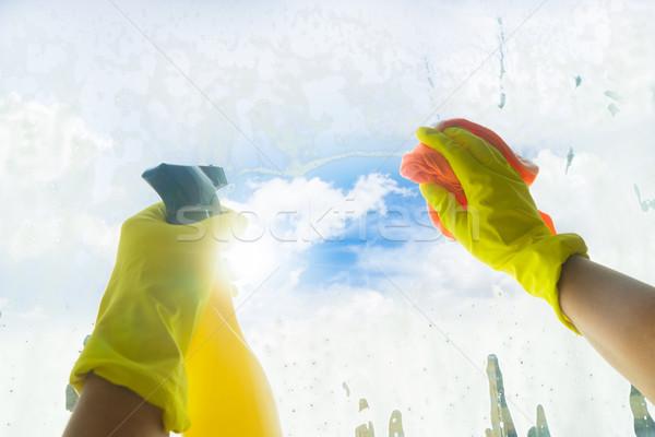 Pulizie di primavera mani giallo guanti pulizia finestra Foto d'archivio © neirfy