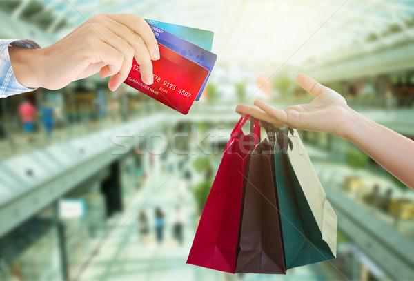 Eller çanta kredi kartları büyük Stok fotoğraf © neirfy