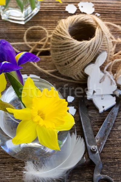 Páscoa abrótea amarelo decorações mesa de madeira flor Foto stock © neirfy