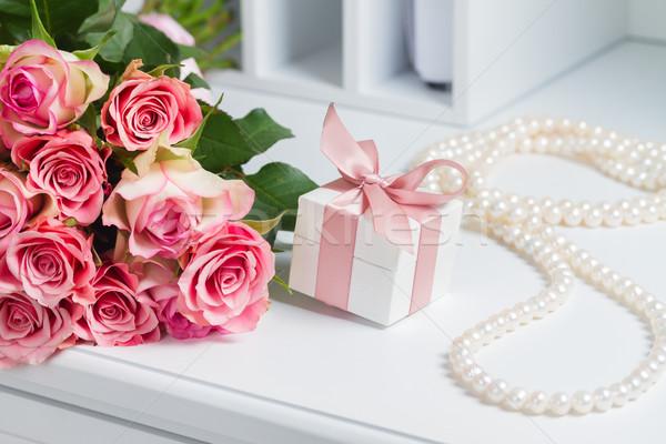 ボックス ピンクリボン ギフトボックス 真珠 ジュエリー ネックレス ストックフォト © neirfy