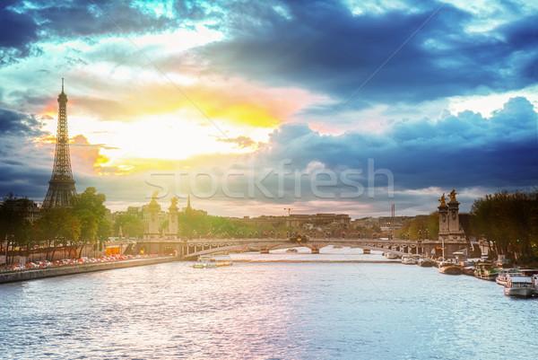Foto stock: Ponte · Torre · Eiffel · Paris · pôr · do · sol · França · retro