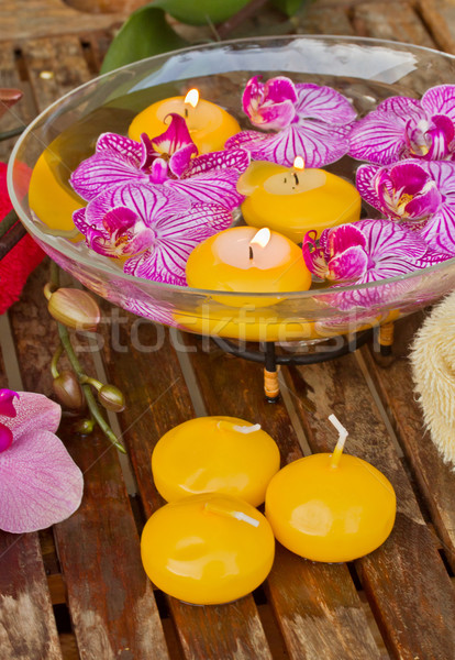 Stockfoto: Kom · orchideeën · kaars · houten · tafel · orchidee · bloemen