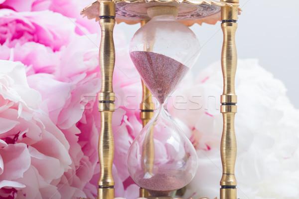 Stockfoto: Essence · zandloper · vers · bloemen · witte · leder