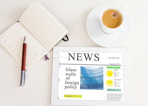 Modern reggel újság táblagép hírek helyszín Stock fotó © neirfy