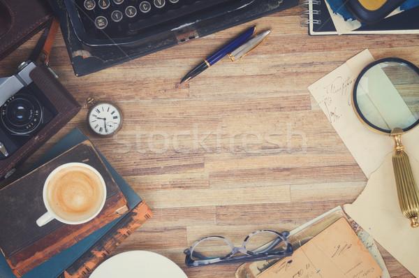 Máquina de escrever tabela retro vintage trabalhando Foto stock © neirfy