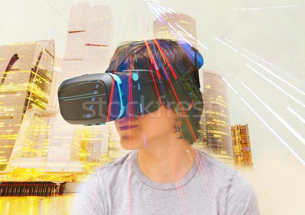 Tinédzser visel szemüveg közelkép virtuális telek Stock fotó © neirfy